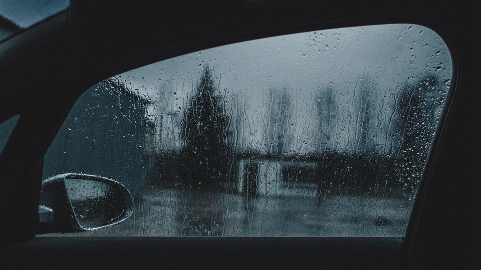 Recomendaciones al conducir con lluvia