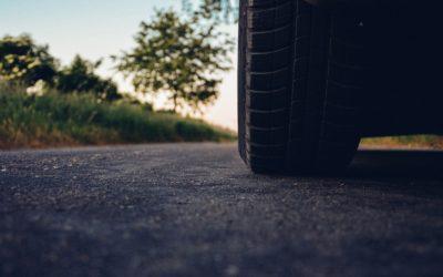 ¡No olvides revisar tus neumáticos!